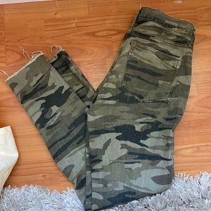 Camo cropped jeans